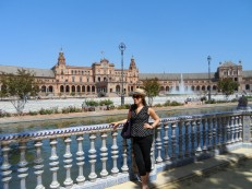 Obligatory pose in front of the Plaza de Espana, the most majestic place in Sevilla!